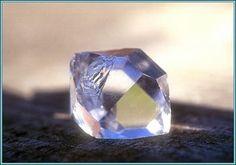 a herkimer diamond Diamond Quartz, Herkimer Diamond, Quartz Crystal, Crystals And Gemstones, Stones And Crystals, Healing Stones, Crystal Healing, Rocks And Gems, Rocks And Minerals