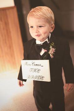 HOW ADORABLE! Photo by Jeannine. #MinneapolisWeddingPhotographer #WeddingPhotography