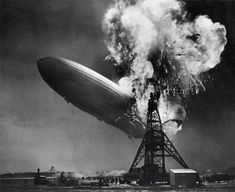The Hindenburg on fire at Lakehurst, N.J., on May 6, 1937 Nationaal Archief