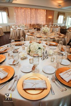 Neutral and Gold Tablescape