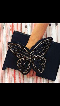 Diy Bags Purses, Diy Purse, Purses And Handbags, Black Leather Handbags, Leather Bag, Fashion Bags, Fashion Accessories, Sacs Design, Embroidery Bags