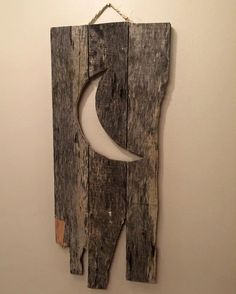 Hey, I found this really awesome Etsy listing at https://www.etsy.com/listing/222911571/wood-pallet-sign-outhouse-door-moon