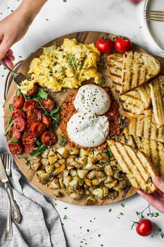 This elegant easy-to-make breakfast board is perfect for weekend brunch - spread it out and create your own adventure recipe forkinthekitchen vegetarian Fork in the Kitchen # Breakfast Platter, Breakfast Recipes, Recipes For Brunch, Vegetarian Brunch Recipes, Healthy Brunch, Healthy Breakfasts, Breakfast Casserole, Dinner Recipes, Easy To Make Breakfast