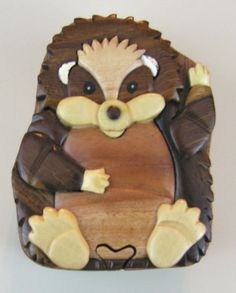 houseful of hedgehogs: CARVED WOOD INTARSIA HEDGEHOG