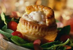 Rachel Allen's luxury Christmas leftovers recipe: Turkey and ham vol au vents - Luxery Vol Au Vent, Rachel Allen, Leftover Turkey Recipes, Leftovers Recipes, Dinner Recipes, Starter Dishes, Turkey Ham, Turkey Dishes, Puff Pastry Appetizers