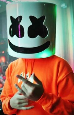 Baby Music, Dj Music, Dj Alan Walker, Dj Marshmello, Nothing But The Beat, Marshmello Wallpapers, Crown Tattoo Design, Itslopez, Best Background Images