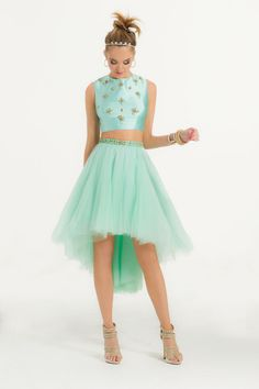 this is soooo cute i love that minty color