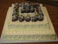 Wedding Cake w/Chocolate Strawberries