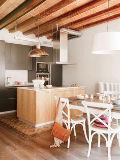 Interioristas Decoradores Barcelona | The Room Studio Dining Room Design, Kitchen Design, Rustic Kitchen, Kitchen Decor, Kitchen Walls, Cuisines Design, Design Case, Interior Design Tips, Modern Decor
