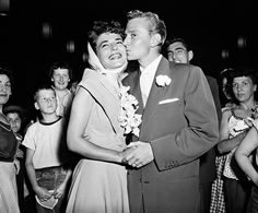 Anne Bancroft and Marty May, was married to Martin May from July to February They had no children. Eddie Fisher, Carrie Fisher, Celebrity Wedding Dresses, Celebrity Weddings, Louie Bellson, Dick Haymes, Michael Wilding, Nancy Reagan, Jean Simmons