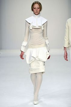 Central Saint Martins Fall 2008 Ready-to-Wear - Collection - Gallery - Style.com
