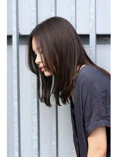黒髪×ストレート/MEIKA 【メイカ】をご紹介。2017年夏の最新ヘアスタイルを100万点以上掲載!ミディアム、ショート、ボブなど豊富な条件でヘアスタイル・髪型・アレンジをチェック。