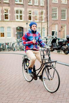 Singel,  - [ Street Style ] #fashion #streetfashion #streetstyle  See original post on www.urbanvisualist.com Street Fashion, Fashion Art, Mens Fashion, Amsterdam Street Style, Howl At The Moon, Bike Style, Urban, Bicycle, Menswear