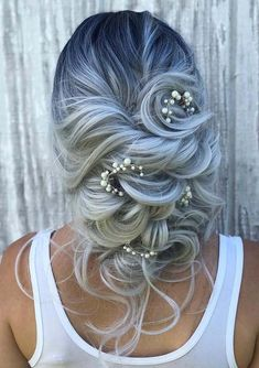 34 Stunning Bridal Updos Trends to Sport in 2018. In this post you may find amazing trends of wedding and bridal bun updos. These styles will really help you to create best wedding hair looks in 2018. These are timeless and cute updos to wear on wedding day. Just see here and get these awesome trends of bridal updos styles.