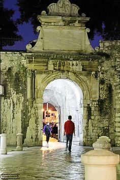 Zadar stony streets / Croatia ჱ ܓ ჱ ᴀ ρᴇᴀcᴇғυʟ ρᴀʀᴀᴅısᴇ ჱ ܓ ჱ ✿⊱╮ ♡ ❊ ** Buona giornata ** ❊ ~ ❤✿❤ ♫ ♥ X ღɱɧღ ❤ ~ Tu 27th Jan 2015