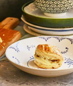 Mindenki kedvence: sajtos roló | Street Kitchen Ciabatta, Brie, Pancakes, French Toast, Breakfast, Morning Coffee, Pancake, Crepes