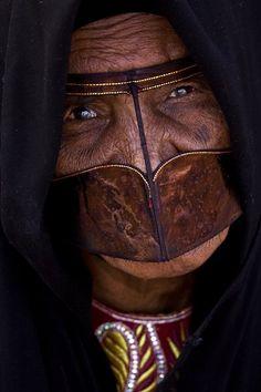 "Oman | ""Masked"" | ©Albusaidi Hamad Saud."