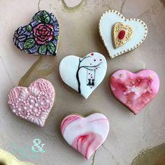 Valentines has arrived at @lesemballees!! You can find my heart cookies in this sweet shop ❤️ #lesemballees #biscuitsetdentelle #heart #lace #heartcookies #lacecookies #valentines #valentinecookies #cookies #biscuits #montreal #watercolor #coeurs #stvalentin #love #sweet #edibleart #customcookies #decoratedcookies #sugarcookies #cookiesofinstagram #instacookies #gift #mtl #rosepatrie #art #handpainted #artisan #colours #valentinegift