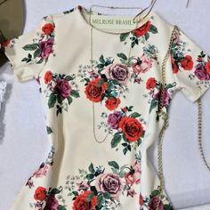 Vestido Ludmilla ( Estampa/ Off flores)