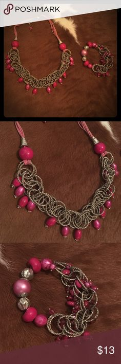 A necklace & a bracelet Hey pink chained necklace and bracelet pair that will go great with any special occasion or as a present, anniversary, birthday, or Christmas. So please make an offer or buy it now before it's too late!😁 Jewelry