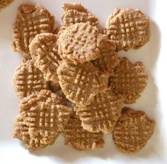 Super Easy Peanut Butter Cookies (Low Carb & Gluten Free) - Ditch The Wheat Easy Peanut Butter Cookies, Low Carb Peanut Butter, Keto Cookies, Low Carb Deserts, Low Carb Sweets, Gluten Free Snacks, Keto Snacks, Keto Desserts, Deserts