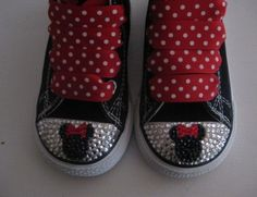 Minnie Bling shoes or ideas for other bling shoes (flip flops too)! Little Girl Shoes, Baby Shoes, On Shoes, Tenis Converse, Black Converse, Bling Shoes, Bling Bling, Minnie Mouse Clubhouse, Mickey Shoes