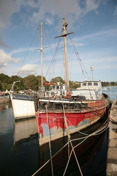 Old Boats - Penryn Quay, Cornwall Truro Cornwall, St Ives Cornwall, Places Around The World, Around The Worlds, Castles To Visit, Seaside Theme, Old Boats, Rock Pools, The Locals