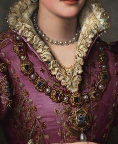 Detail from Portrait of a Lady by Alessandro Allori Thought to be Camilla de Medici Renaissance Era, Renaissance Fashion, Renaissance Jewelry, 16th Century Fashion, 17th Century, Renaissance Paintings, Medieval Costume, Historical Costume, Historical Dress