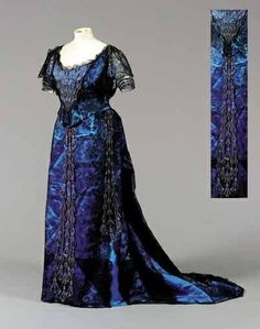 1900 Ball Gowns | FINE WORTH BALL GOWN, FRENCH, CIRCA 1900