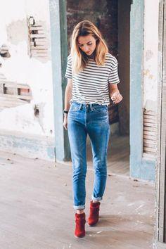 A bota vermelha é capaz de dar estilo ao look básico