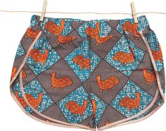 Shorty en Wax, disponible en différents modèles, pour dormir, pour l'été,  pour la plage. Coloré,  original, 100% fait main,  made in France