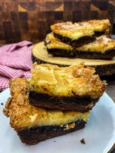 Chocolate Cheese, Chocolate Cake Mixes, Best Chocolate, Chocolate Desserts, Chocolate Chess Squares Recipe, Easy Cake Recipes, Baking Recipes, Cookie Recipes, Dessert Recipes