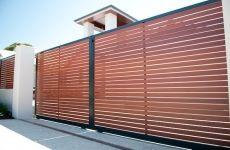 Fence- Next major project. It is soooooo overdo!