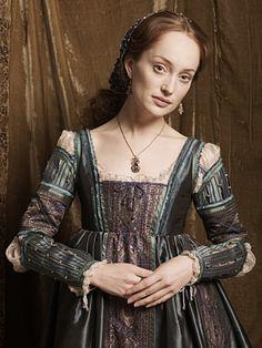 Lotte Verbeek as Guilia Farnese.  Colour, detail and jewellery.  The Borgias, television, TV, costume, drama, design, textiles,