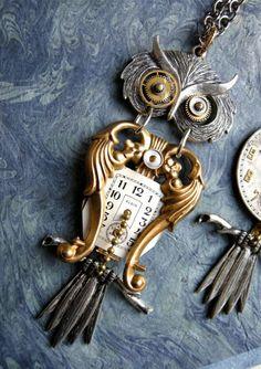 Steampunk owl necklace with its own vintage. Style Steampunk, Steampunk Design, Steampunk Costume, Steampunk Clothing, Steampunk Diy, Steampunk Fashion, Owl Jewelry, Jewelery, Jewelry Design