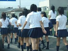 Cute Asian Girls, Beautiful Asian Girls, Cute School Uniforms, School Girl Japan, Pleated Tennis Skirt, Schoolgirl Style, Sexy Socks, Girl Fashion, Womens Fashion