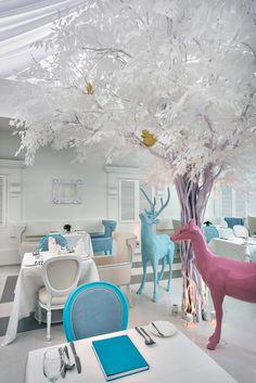 Ресторан отеля Macalister Mansion в Малайзии, дизайн-бюро Ministry of Design.