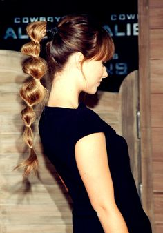 love this pony tail