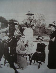 Marcel Proust au Cours de tennis du boulevard Bineau à Neuilly-sur-Seine (1891)