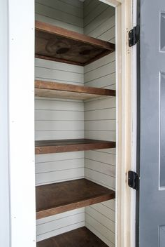 Farmhouse style shelves and shiplap Looking for a cheap and easy pantry shelving solution? Get rid of your wire shelves and change it out for these easy DIY wood pantry shelves! Country Farmhouse Decor, Modern Farmhouse Kitchens, Farmhouse Style Kitchen, Farmhouse Style Bathrooms, Farmhouse Shelving, Farmhouse Décor, Farmhouse Remodel, Rustic Kitchen, Kitchen Remodel