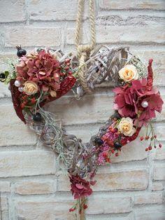 Herz als Türkranz,Landhaus,chili,Hortensie,Kranz von ...die mit den Blumen tanzt... auf DaWanda.com