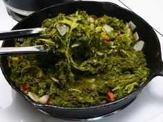 Mustard Greens Recipe, stir, cover, and simmer until greens are tender. recipe soul food no meat Mustard Greens Vegetable Dishes, Vegetable Recipes, Meat Recipes, Salad Recipes, Recipies, Mustard Greens Recipe Southern, Cooking Mustard Greens, Turnip Greens, Collard Greens