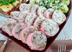 Easy Salad Recipes, Easy Salads, Food Design, Crab Stuffed Avocado, Cottage Cheese Salad, Salad Dishes, Lime Chicken, Polish Recipes, Wrap Sandwiches