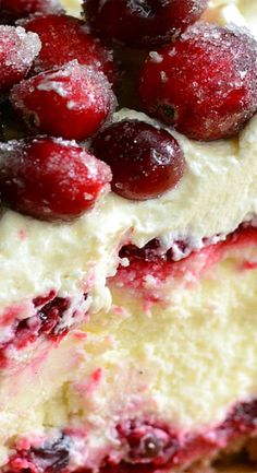 Christmas Cheesecake (Cranberry Jam White Chocolate Mousse Cheesecake)