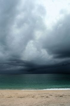 Moody Nature — Ocean Storm // By Teresa Henderson Beautiful World, Beautiful Places, Beautiful Pictures, Mother Earth, Mother Nature, Wild Weather, Weather Storm, Sky And Clouds, Storm Clouds