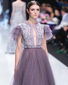 Winter Dresses, Evening Dresses, Michael Cinco Couture, Fashion Show, Fashion Outfits, Fashion Design, Fashion Details, High Fashion, Saab