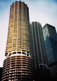 Bertrand Goldberg's Marina City building 'the corncob towers'  mid-century  mixed uses, notice the first few levels dedicated for carparking