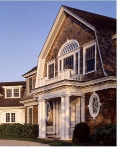 Dutch colonial shingle home.giving curb appeal to an ugly barn style house Dutch Colonial Homes, Shingle Style Homes, Gambrel Roof, Sims, Coastal Homes, Coastal Living, Plein Air, Architecture Details, Curb Appeal
