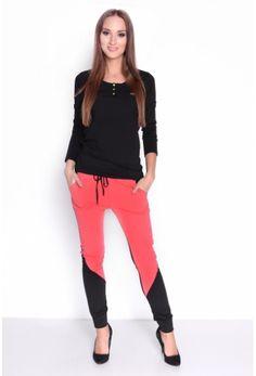 Korálové tepláky čierno-korálové sú veľmi pohodlné a trendové Capri Pants, Fashion, Capri Pants Outfits, Capri Trousers, Fashion Styles, Fashion Illustrations, Trendy Fashion, Moda