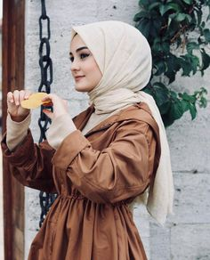 ✔ Couple Outfits For Pictures Dresses Hijabi Girl, Girl Hijab, Hijab Outfit, Dress Outfits, Girl Outfits, Muslim Fashion, Hijab Fashion, Style Fashion, Simple Hijab